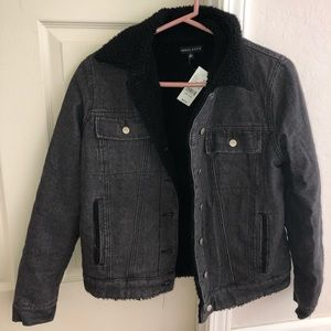NWT PacSun Jean Jacket with Fur